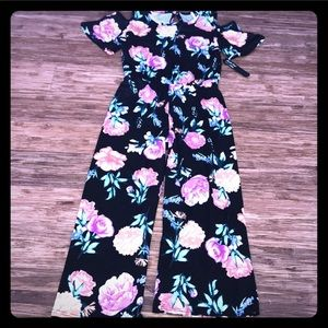 Other - 🌸Beautiful Orchid Floral Jumpsuit🌸